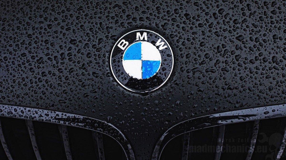 bmw emblem 82 mm 78 mm 74mm original emblem. Black Bedroom Furniture Sets. Home Design Ideas